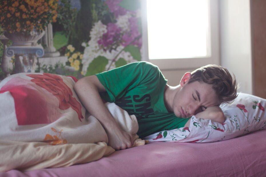 ung mand der sover